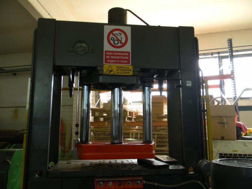 Pressa per officina bignozzi idraulica a portale for Pressa usata per officina