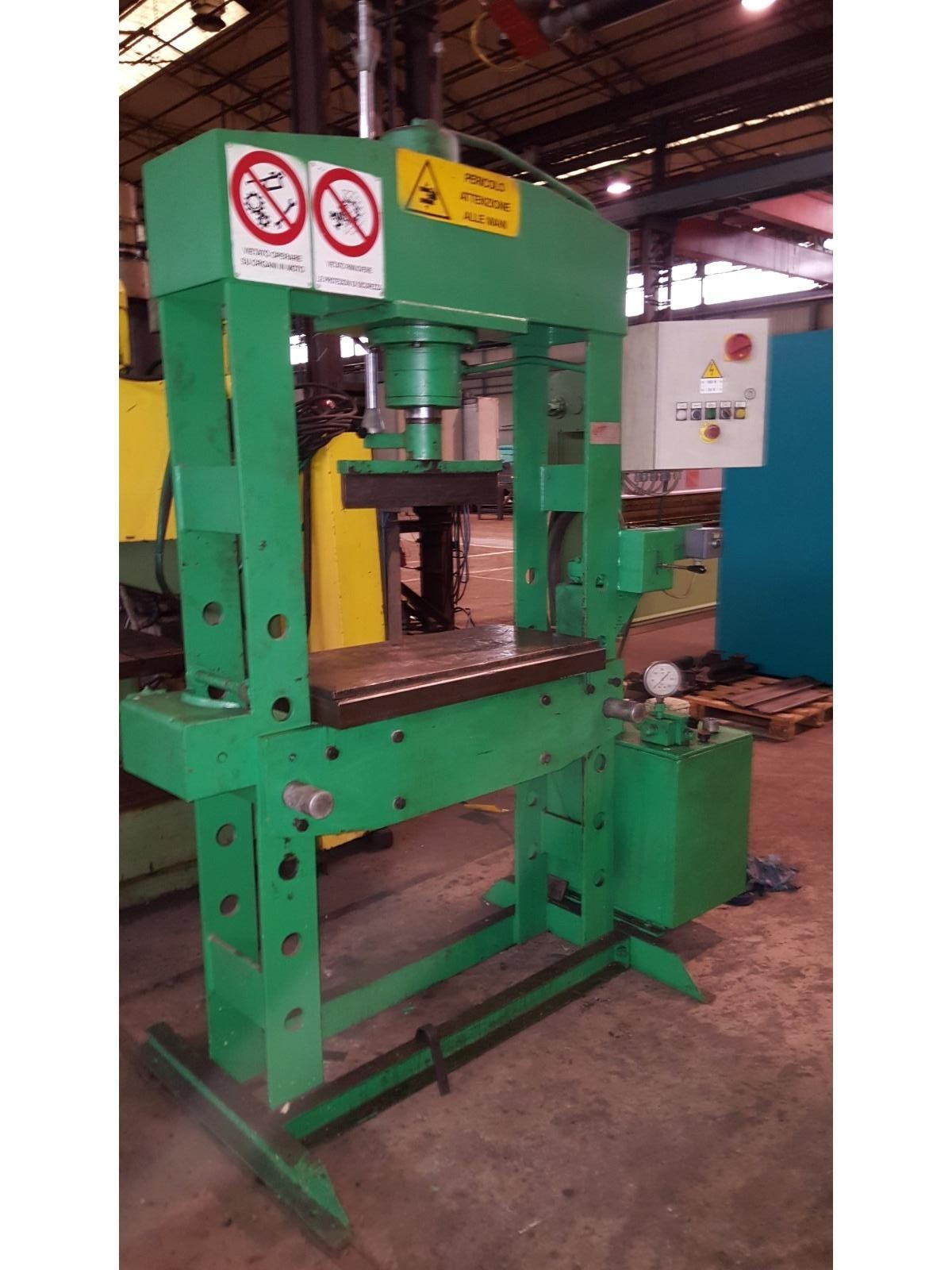 Pressa per officina 50 ton for Pressa usata per officina